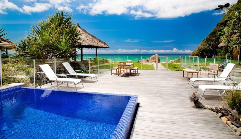 Sapphire Seas Beach House