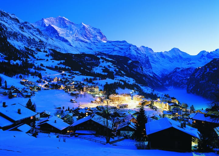 Ski with us in Wengen - we are open - great snow C