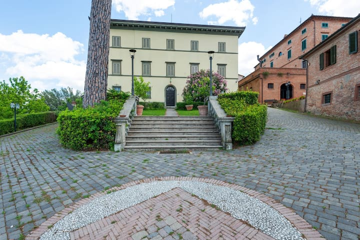 Secluded Apartment in San Miniato with Swimming Pool