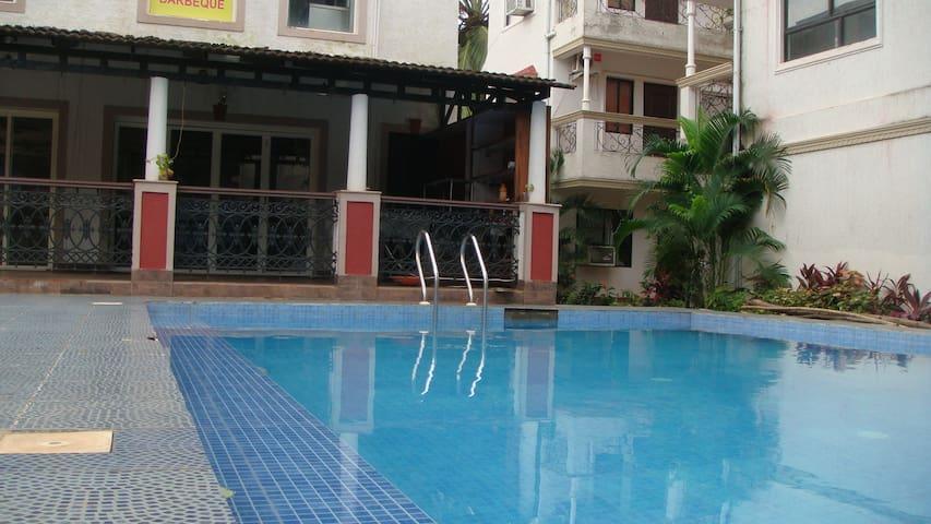 Spacious 3 room set incomplex pool - Calangute - Apartment