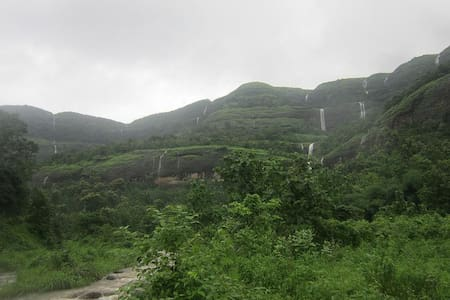 Omkar Cozy Cottage for couple in Matheran - Matheran - Pousada
