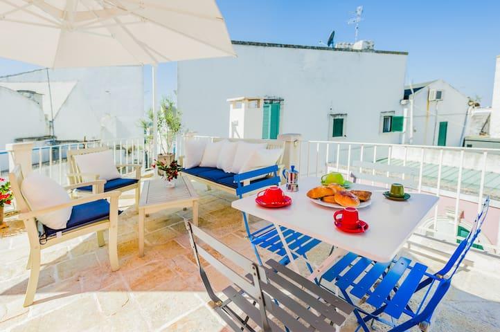 Appartamento con terrazzo - Noci - Flat