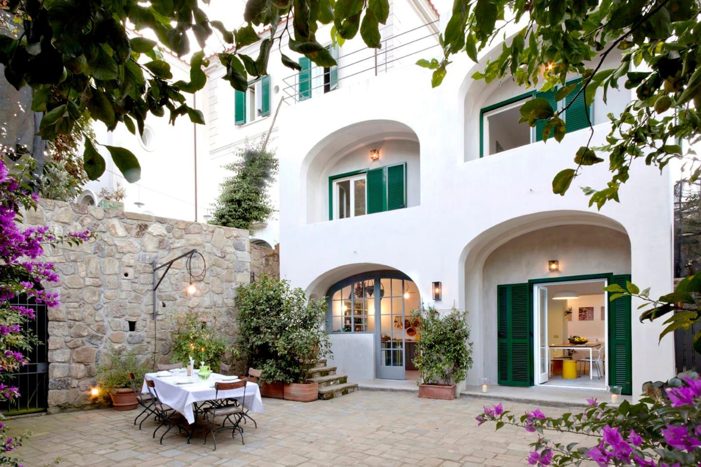 Luxury Design Villa with Pool in Lemon Grove - Villen zur Miete in ...