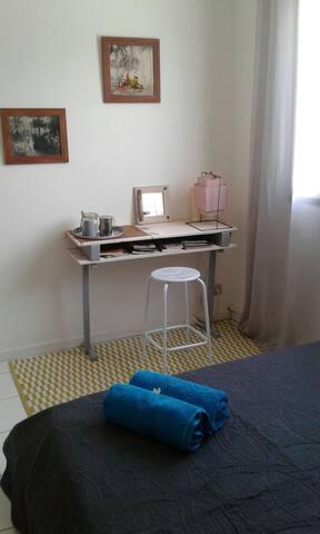 Chambre + sdb privative à  50 m du lagon - La Saline-Les-Bains - Villa