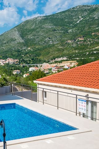 Villa with pool - near Dubrovnik
