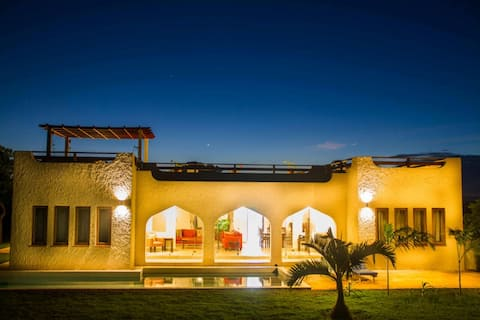 Gorgeous 3 bedroom ensuite Golf Villa w/ pool
