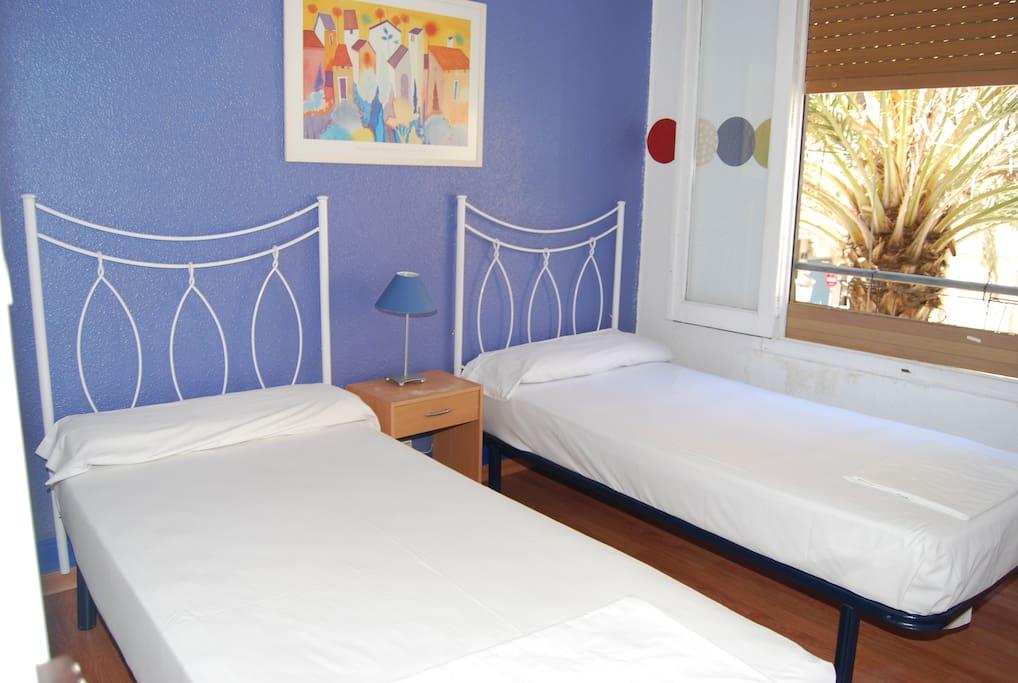 Habitación dos camas.