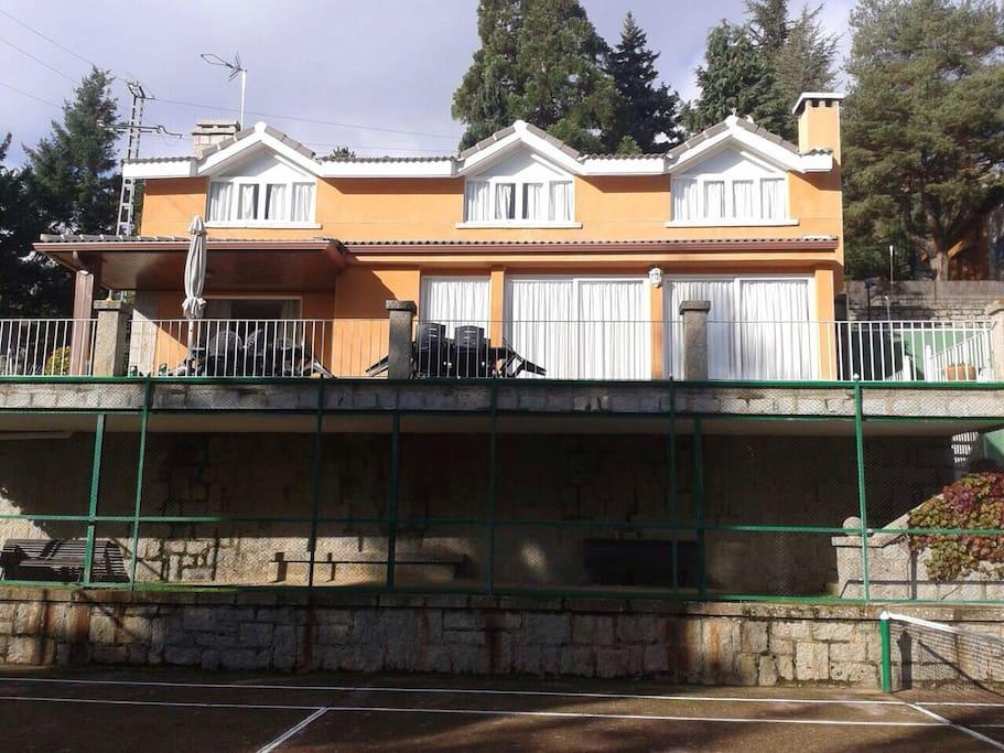 Casa en cercedilla con vistas casas en alquiler en cercedilla comunidad de madrid espa a - Apartamentos de alquiler en madrid ...