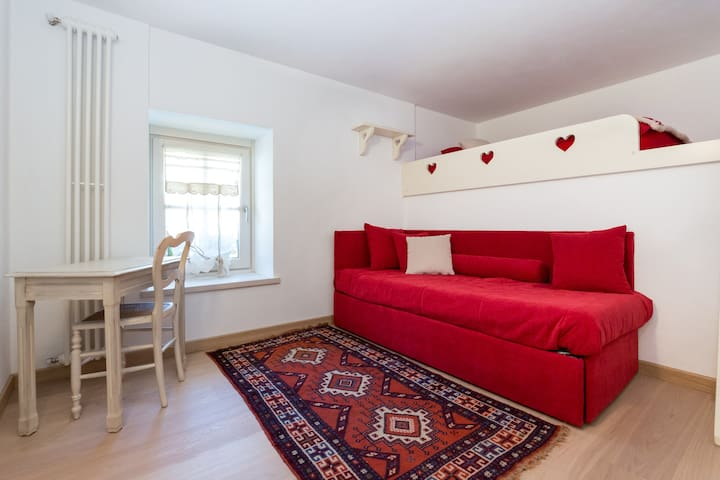❤️Lovely flat in the mountain, private garden! - Étroubles - Daire