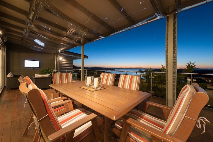 Tiroroa - Stunning Bay of Islands Home