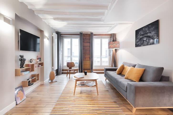LOVELY FLAT IN MONTORGUEIL PARIS