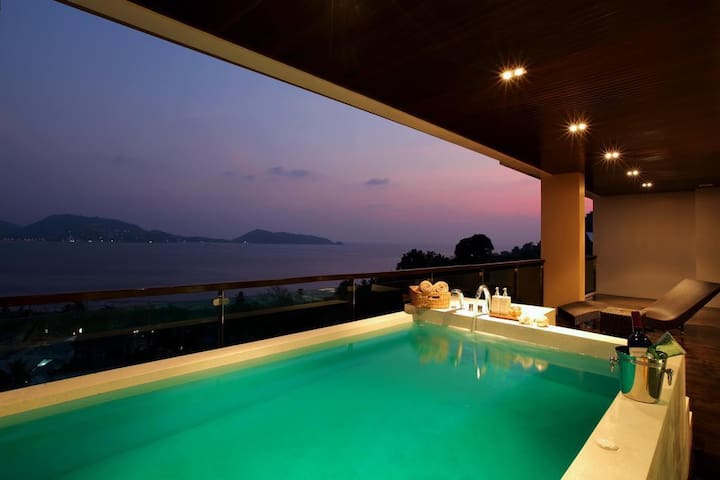 Elegant Seaview Apt Patong with Private Jacuzzi