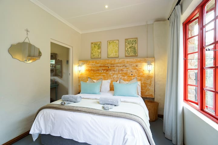 Garden Cottage @ Mulberry Guest H - Outer West Durban - Bed & Breakfast