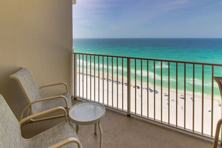 Oceanfront condo with views, easy beach access, shared pool and hot tub, tennis!