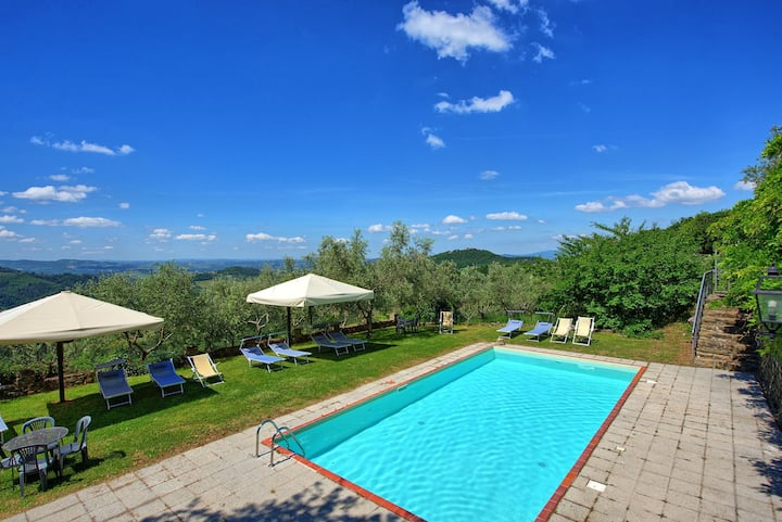Chiesa - Vacation Rental with swimming pool on the Chianti hills, Tuscany