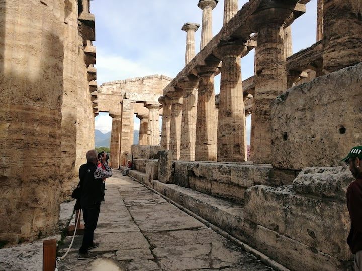Paestum Temples inside