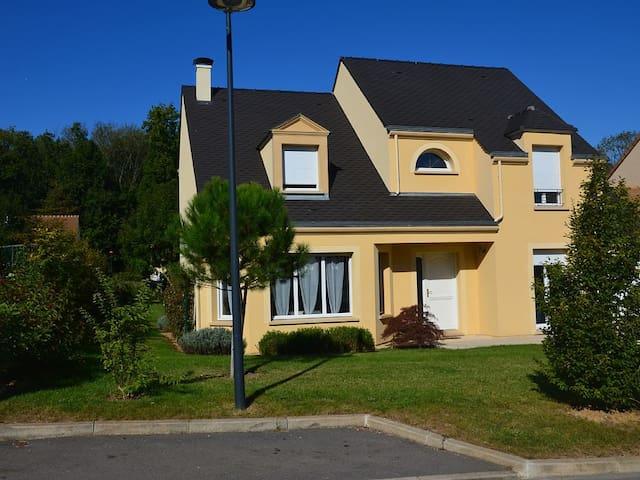 VILLA STANDING 140 M2 DISNEYLAND - Esbly - House