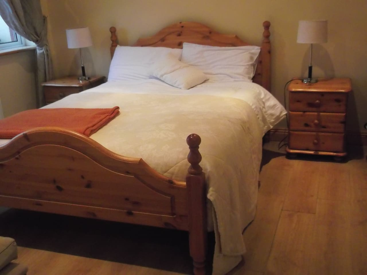 Spacious apartment with Double bed as displayed.
