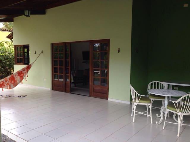 Casa em condomínio fechado, Km 15 - Aldeia - Ev