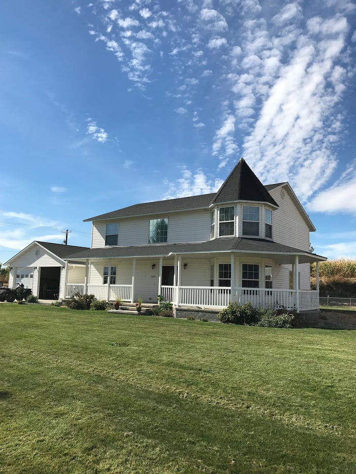 Nice county home on 5 acres!
