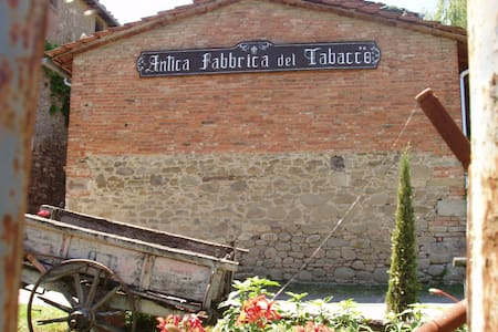 "typical farmhouse in tuscany ""La Tabaccaia"" - Poppi - Loft"