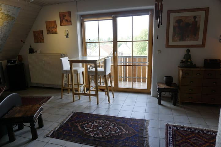 Comfortable, cosy open flat in quiet location - Eching - Appartement