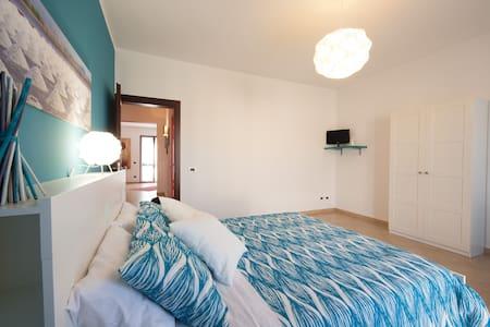 BiancoSale blue vicino Aeroporto Trapani - Rilievo - Bed & Breakfast