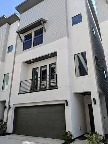 Our property is located in a gated community of 9 beautiful townhomes