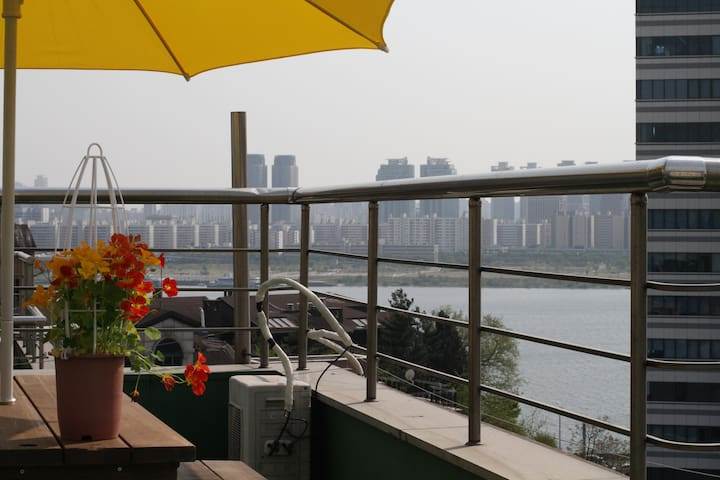 ★Free Pick-up//Riverside//River View&Rooftop View★