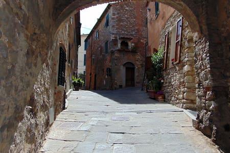 Bilocale caratteristico nel centro del borgo