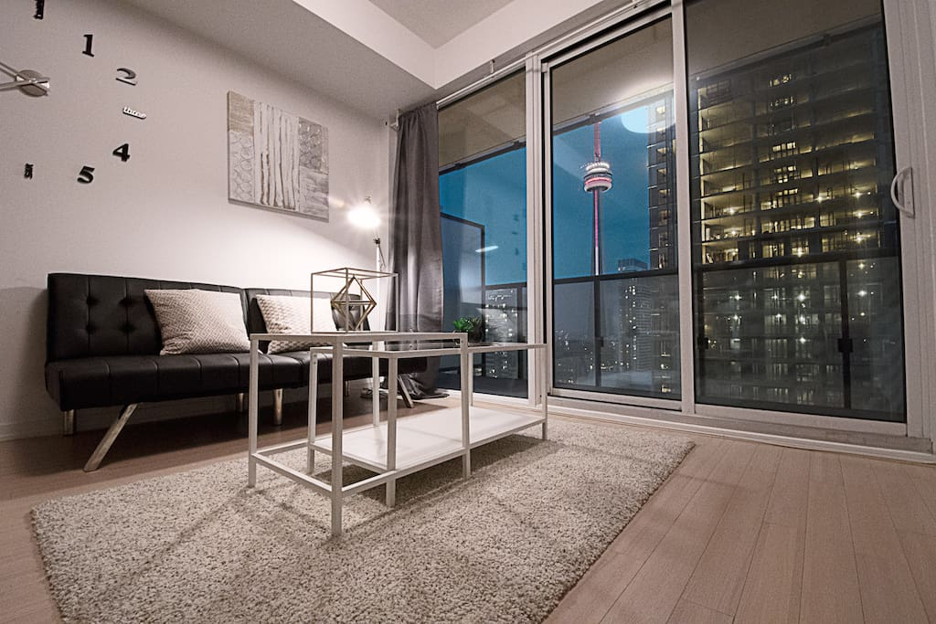 Spacious Romantic Downtown Suite With CN Towerview Apartments For Rent In T
