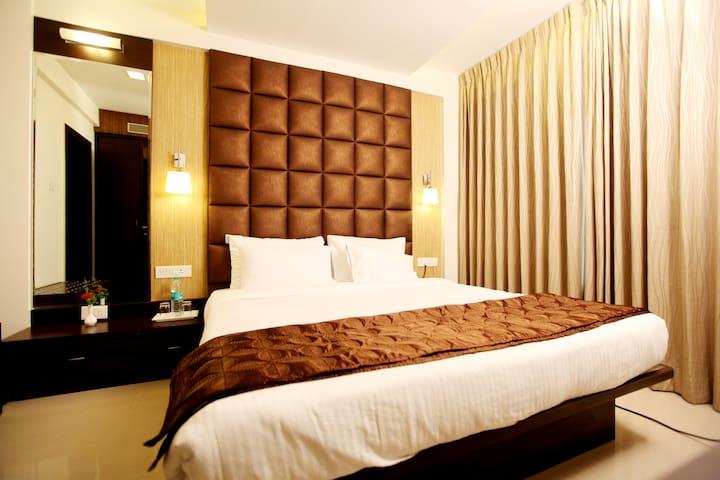 Luxurious 1BHK apartment with Kitchen in Hinjewadi