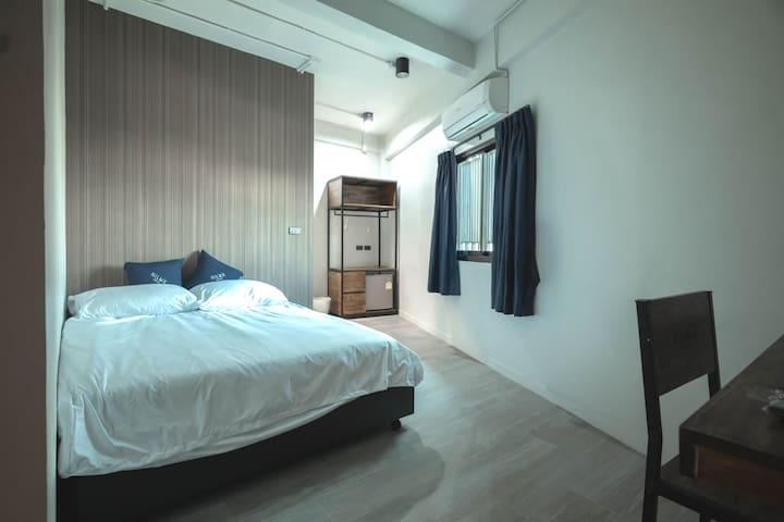 Nilux Superior private room for2 pp 2mins walk MRT