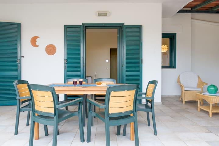 Blue Sea, Villa Aquilone with pool