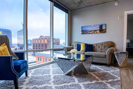 Luxury 2BR Penthouse in Downtown GR