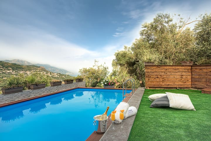 Echis House - Countryside Villa with Pool