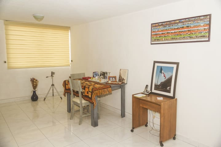 """""""Cielito lindo"""", room at south of Mexico city"""