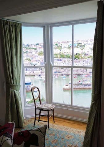 Spacious Victorian Cottage With Sea Views - Mevagissey
