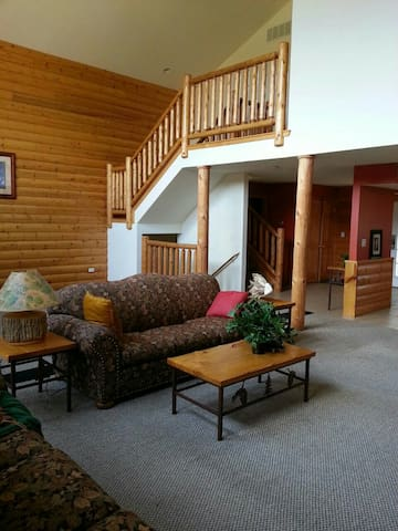 LUXURY CABIN AT GRAND BEAR RESORT ! - utica - Cabin