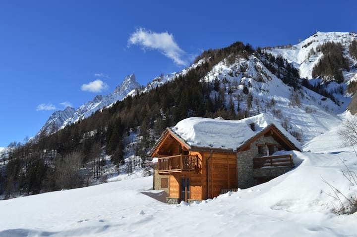 "BAITA CHALET DI CHARME IN VAL FERRET ""ADOLPHE REY"""