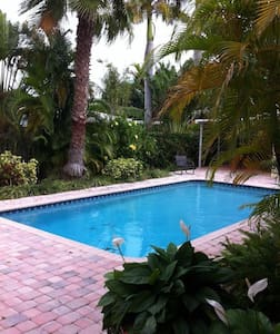 Few minutes to the beach, resturants, and shops - Fort Lauderdale - Apartemen