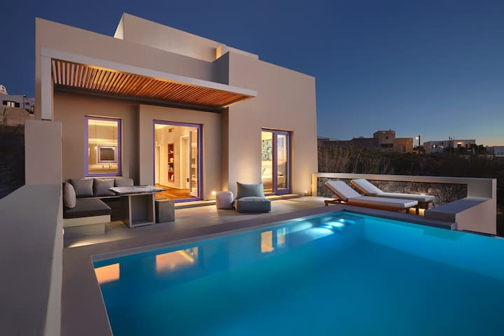 Large terrace with private infinity pool and jacuzzi jets!