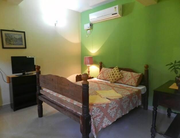 'Limao' at a Portuguese House at Saligao - Saligao - Villa