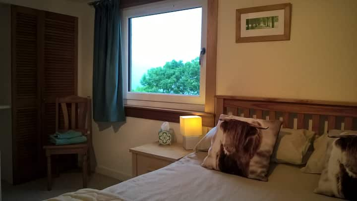 Fort William, Double Room & Kitchen