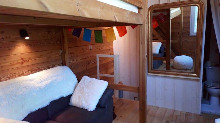 Maisonnette montagnarde avec poêle à bois