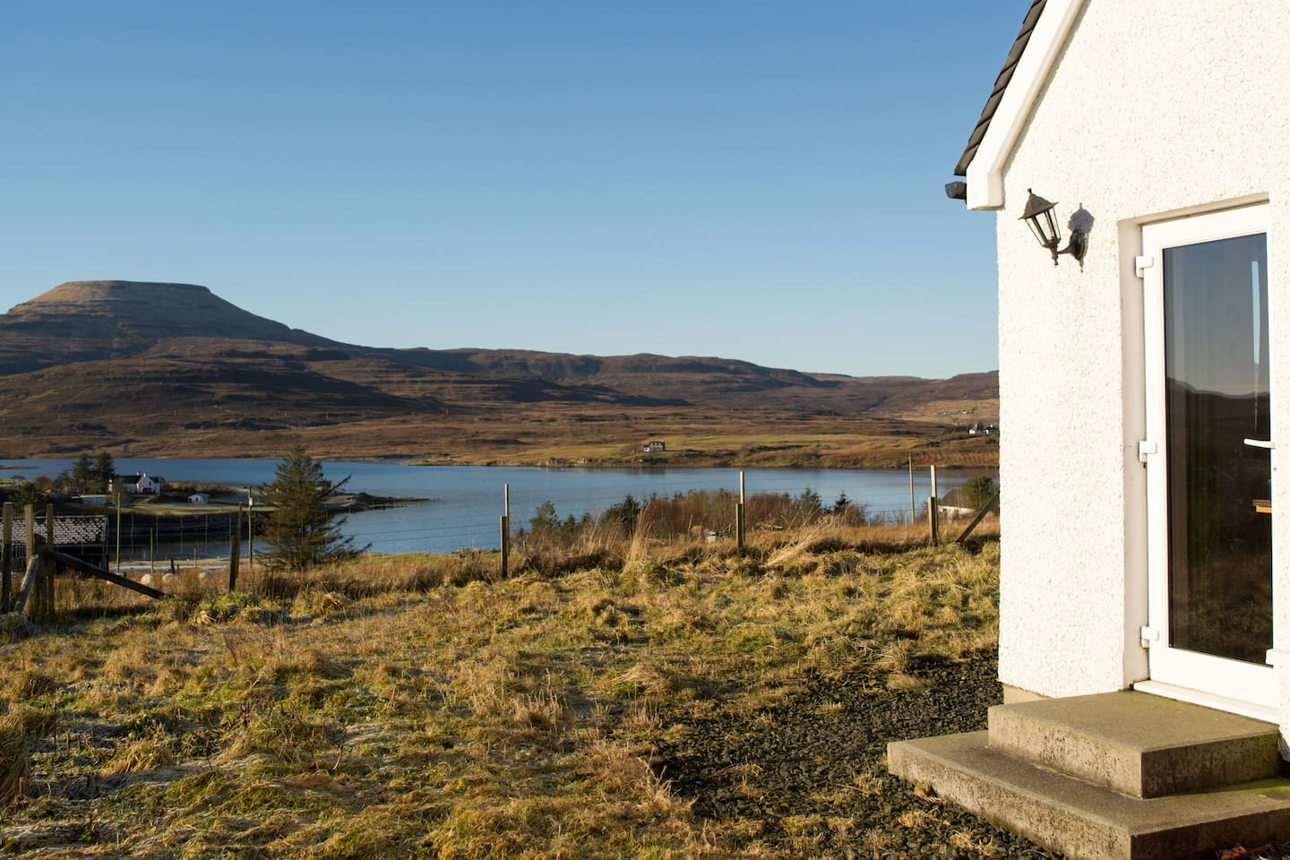 Georgeous views of Dunvegan Loch & MacLeod's Table Tops.