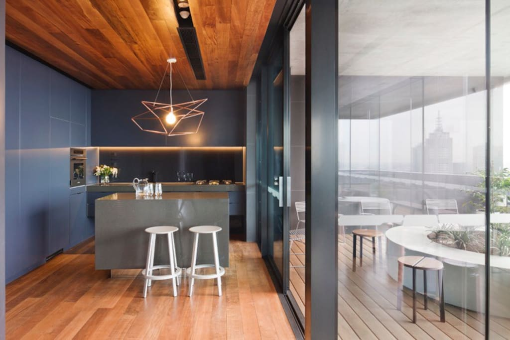 2 bedroom best location in cbd apartments for rent in - 2 bedroom apartments melbourne for rent ...