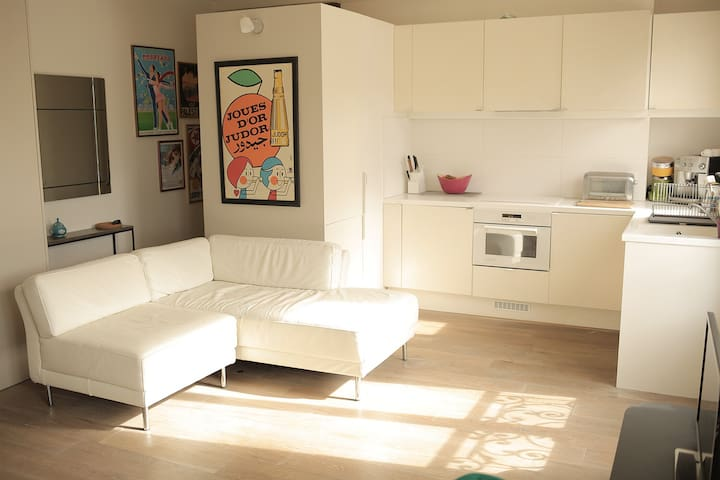 Appartement contemporain à République