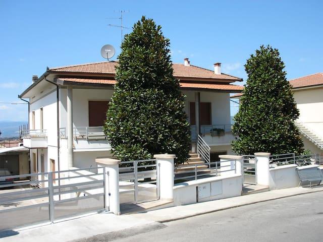 Come a casa ... (double/twin room) - Cerreto Guidi - Bed & Breakfast