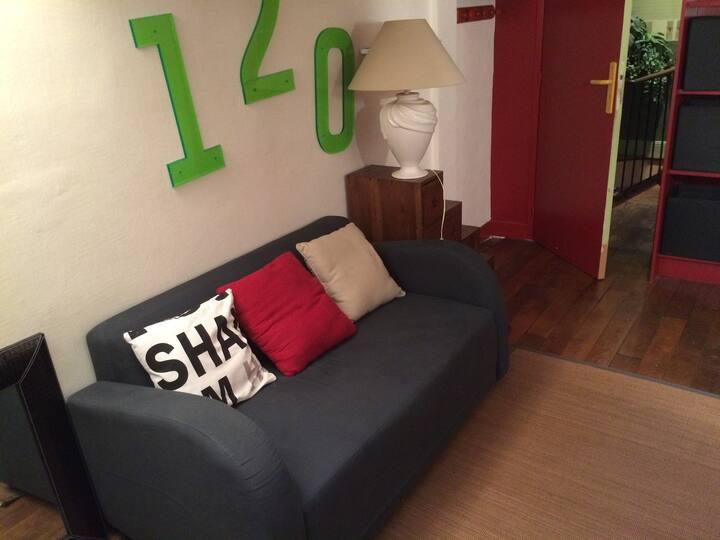 chambre dans belle maison familiale